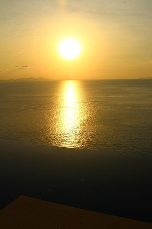 Conrad Koh Samui: Sunset from our villa