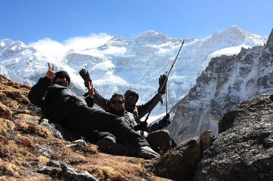 Nepal Hiking : View of Kanchenjunga North