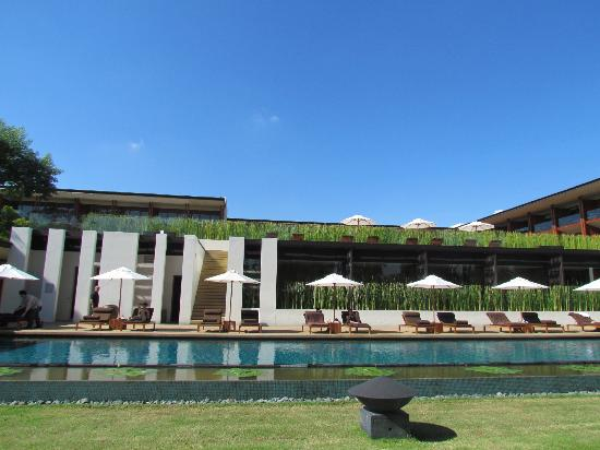 Anantara Chiang Mai Resort: down by the pool