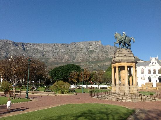 Footsteps to Freedom Tours: One of the prettiest views in the city .... in Company's Garden