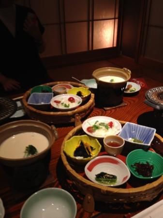 Hotel New Awaji Bettei Awaji Yumesenkei: 朝食は個室でゆったり。見た目もきれいで女子旅にぴったり!