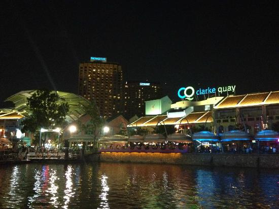 Novotel Singapore Clarke Quay : View of Novotel and Clarke Quay from boat on river