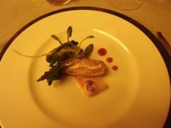 Cracco: Triglia marinata su lardo e miele: una delle svariate delizie degustate durante la serata
