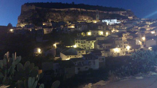 La Casa Serena: vista nocturna Chulilla