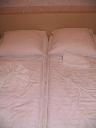 Pension Bella: Two separate beds