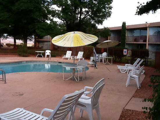 Quality Inn at Lake Powell: La piscina