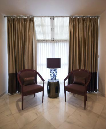 Secludecity - Safdarjung Enclave: Sitting area in Master bedroom