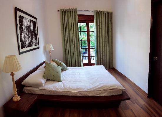 Secludecity - Safdarjung Enclave: Room(Green room.)