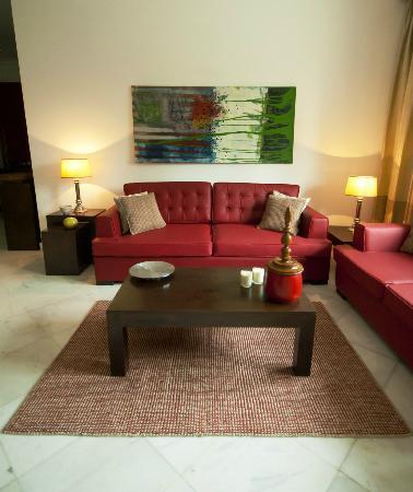 Secludecity - Safdarjung Enclave: Living room