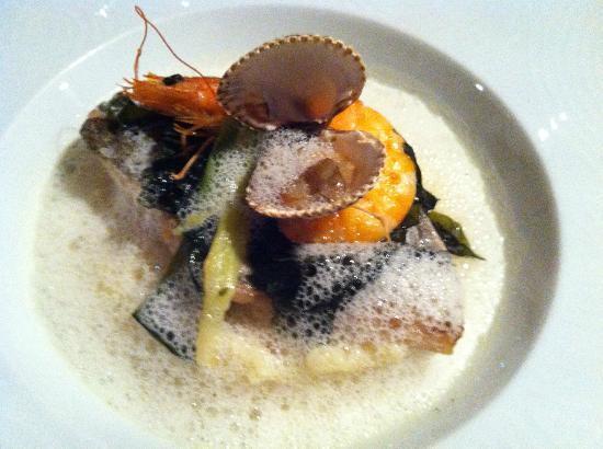 L'Angle Saint Laurent : Sea bream with seaweed