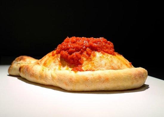 Pizza Via Veneto: Pizza Calzone