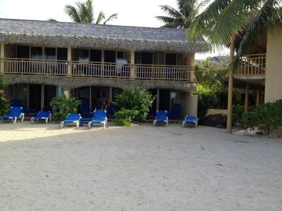 Sanctuary Rarotonga-on the beach: infront of the 600 block