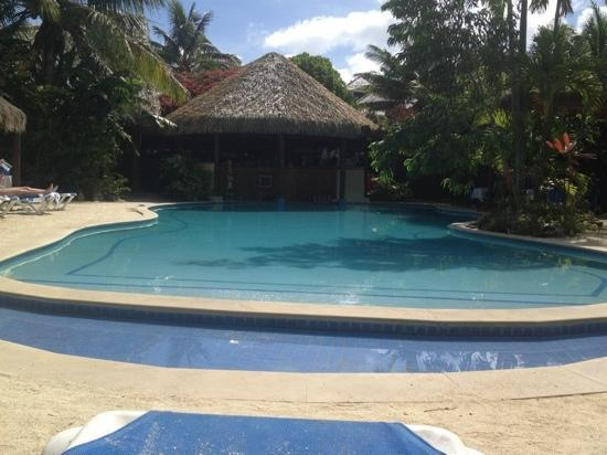 Sanctuary Rarotonga-on the beach: pool area
