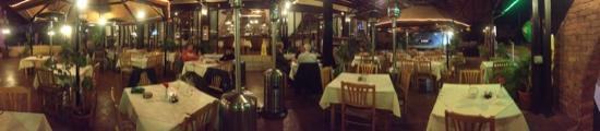 Flames Restaurant and Bar: отличный ресторан
