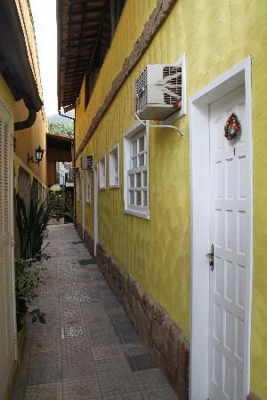 Pousada Mar Azul: couloir des chambres