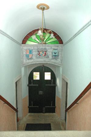 Lazzarini-Battiala Palace St Martin: Entrance
