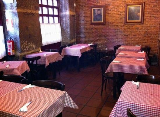 Taberna de San Bernardo: Salón