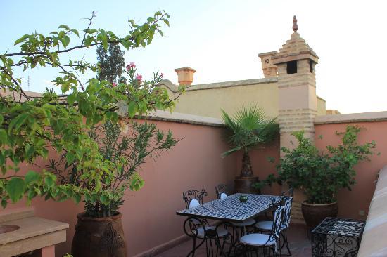Riad Louaya: the table on the terrace