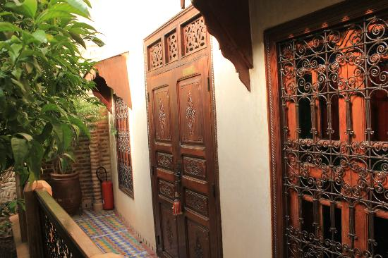 Riad Louaya : one of the room entrance