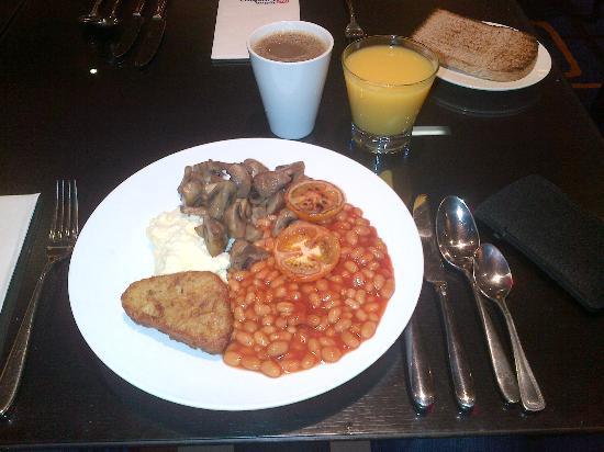 Hilton Garden Inn Aberdeen City Centre: Frühstück