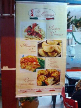 La Mamma Pastas and Salsas: Poster outside