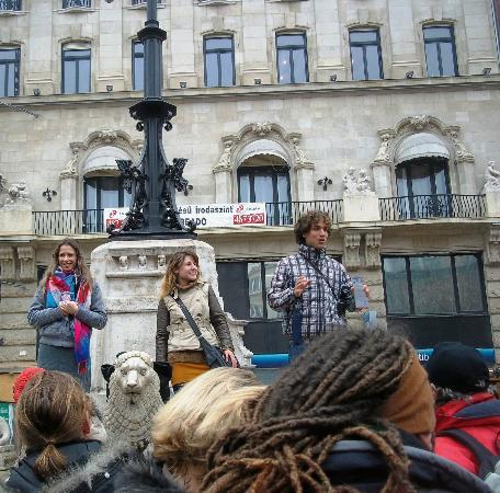 Free Budapest - Tur Jalan-jalan: Tour guides