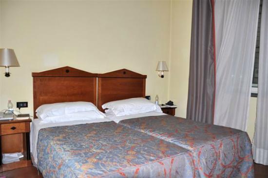 Hotel Malaspina: nostra camera