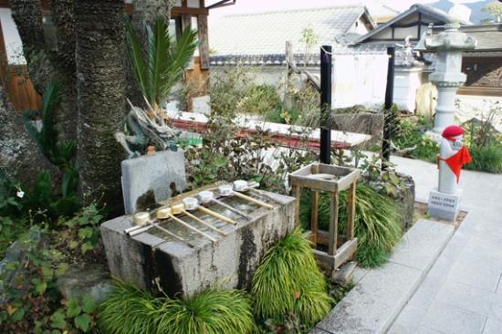 Yasaka Temple: 手水舎