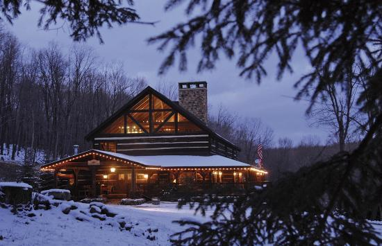 ‪‪Savage River Lodge‬: The main Lodge in winter.‬