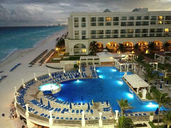 CasaMagna Marriott Cancun: View from our 5th floor ocean front room (pool view)