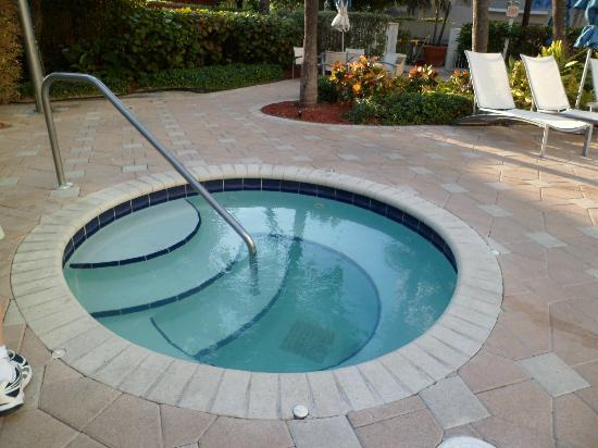Courtyard Cadillac Miami Beach/Oceanfront: Piscina