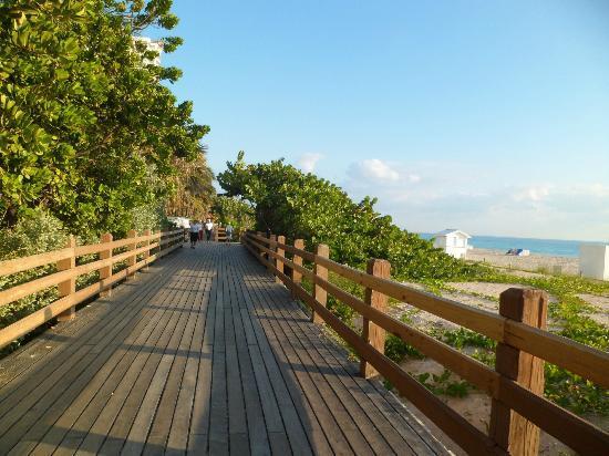 Courtyard Cadillac Miami Beach/Oceanfront: Boardwalk