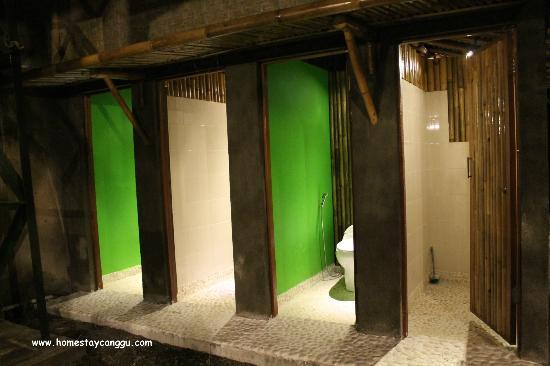 eHomestay Wood Hut Canggu : share bathroom