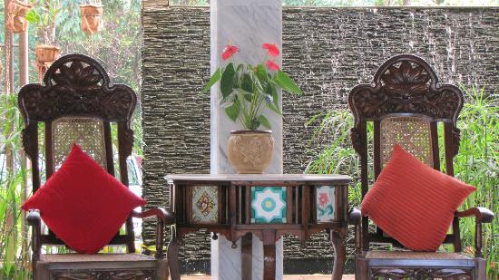 Royal Orchid Beach Resort & Spa, Goa: Lobby