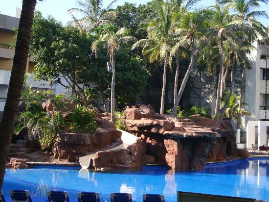 El Cid Castilla Beach Hotel: What we saw every morning