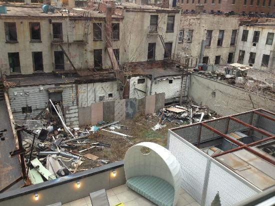 Aloft New York Brooklyn: We paid for King room/city view...this is the view!