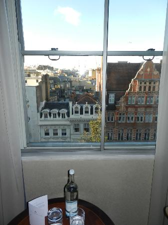 โรงแรมเวสต์บิวรี เมย์แฟร์: View