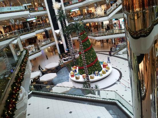 Istanbul Cevahir Mall: Christmas tree in Cevahir..
