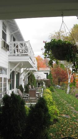 Manoir Hovey: Hotel in the Fall