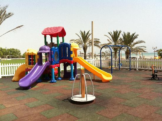Danat Jebel Dhanna Resort: Outdoor play area for kids