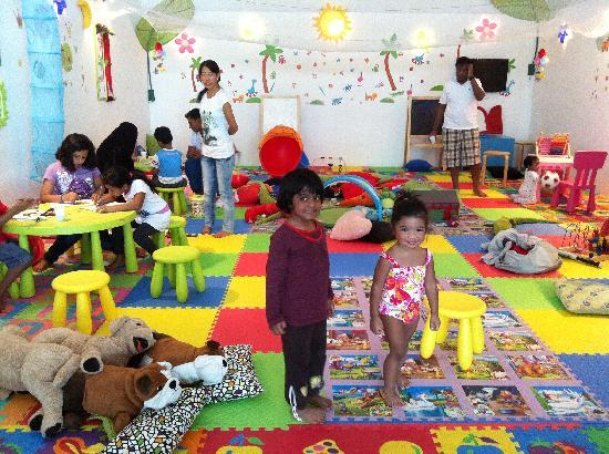 Danat Jebel Dhanna Resort: Indoor play area
