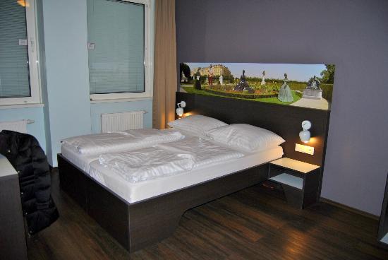 MEININGER Hotel Wien Downtown Sissi: Quarto