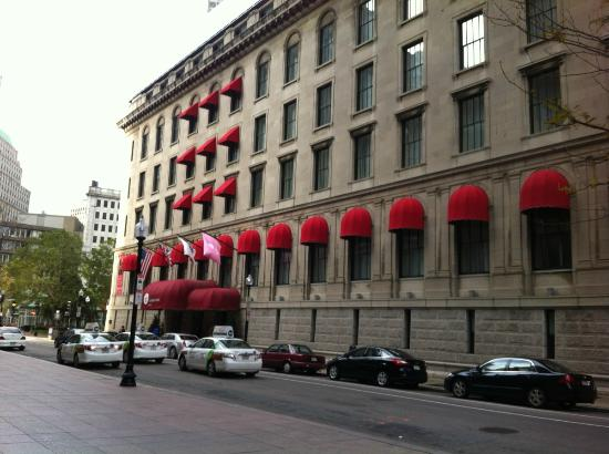The Langham, Boston: The hotel's entrance