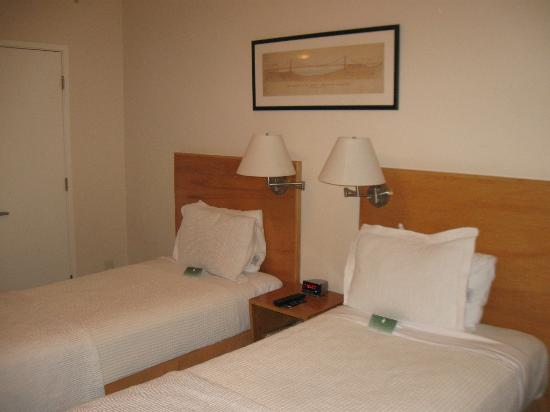 Hotel Stratford: Twin / Twin room 612