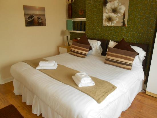 The Dock Inn: Newly refurbished Bed and Breakfast