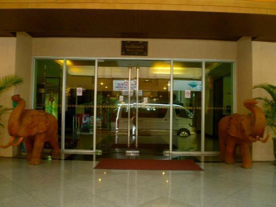 瑪尼納拉康酒店照片