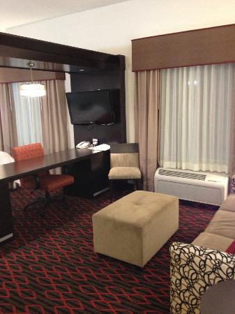 Hampton Inn & Suites by Hilton Red Deer : Room 132