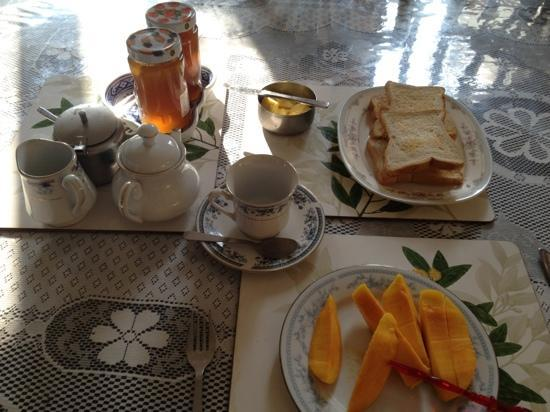 Spica Holiday Home: breakfast w/o egg as I requested