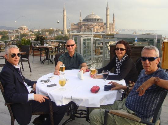 Adamar Hotel: En la terraza tomando una copa con mis amigos
