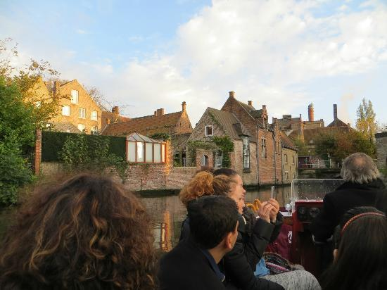 Huis Koning: canal boat ride